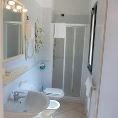 Отель Albergo Le Briciole Проччио ванная