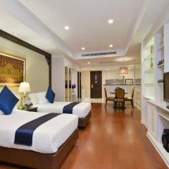 Отель Centre Point Silom Бангкок сейф в номере