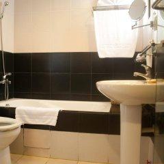 Отель Pearl Garden Hotel Филиппины, Манила - отзывы, цены и фото номеров - забронировать отель Pearl Garden Hotel онлайн ванная