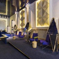 Отель Room Mate Carla гостиничный бар