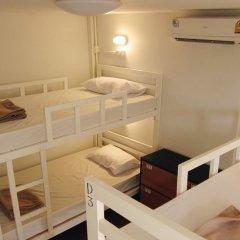 Baan Nai Trok - Hostel Бангкок комната для гостей фото 2