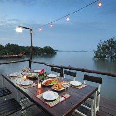 Отель The Villa Laemhin Lagoon Resort питание фото 2