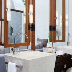 Отель Conrad Maldives Rangali Island Мальдивы, Хувахенду - 8 отзывов об отеле, цены и фото номеров - забронировать отель Conrad Maldives Rangali Island онлайн ванная
