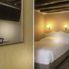 Отель Hôtel Jeanne d'Arc Le Marais Франция, Париж - отзывы, цены и фото номеров - забронировать отель Hôtel Jeanne d'Arc Le Marais онлайн комната для гостей фото 2