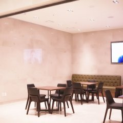 Отель Tmark Hotel Myeongdong Южная Корея, Сеул - отзывы, цены и фото номеров - забронировать отель Tmark Hotel Myeongdong онлайн гостиничный бар