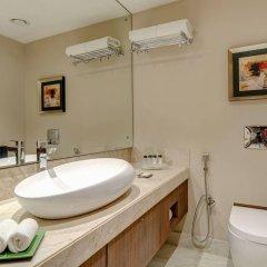 Отель Holiday Inn Kolkata Airport ванная фото 2