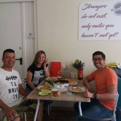 Roommates Hostel Белград питание