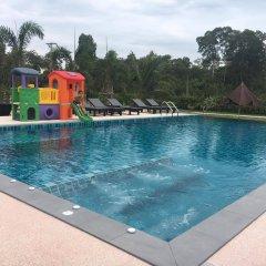 Отель Siri Lanta Resort Ланта бассейн
