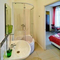 Гостиница Bridge Inn в Санкт-Петербурге 7 отзывов об отеле, цены и фото номеров - забронировать гостиницу Bridge Inn онлайн Санкт-Петербург ванная