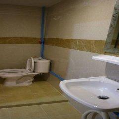 Отель Pa Chalermchai Guesthouse ванная