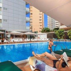 Отель RH Royal - Adults Only Испания, Бенидорм - отзывы, цены и фото номеров - забронировать отель RH Royal - Adults Only онлайн бассейн