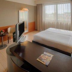 Отель NH Linate Пескьера-Борромео сейф в номере