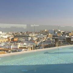 Отель Gran Meliá Colón - The Leading Hotels of the World Испания, Севилья - отзывы, цены и фото номеров - забронировать отель Gran Meliá Colón - The Leading Hotels of the World онлайн бассейн