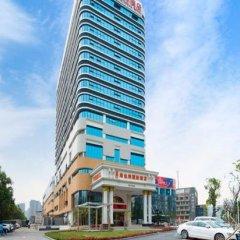 Vienna International Hotel (Guangzhou Science City Performance Center) парковка
