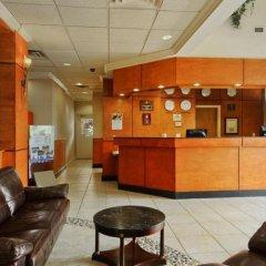 Отель Days Inn Vancouver Airport Канада, Ричмонд - отзывы, цены и фото номеров - забронировать отель Days Inn Vancouver Airport онлайн гостиничный бар