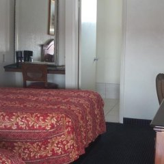 Отель Holiday Motel Oakdale фото 4