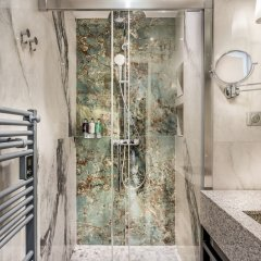 Отель Sunshine 2 bedroom - Luxury at Louvre Париж фото 30