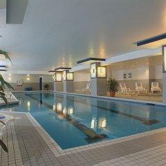 Отель Delta Hotels by Marriott Montreal бассейн
