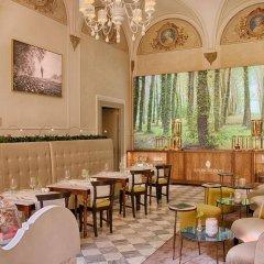 Отель NH Collection Firenze Porta Rossa Италия, Флоренция - отзывы, цены и фото номеров - забронировать отель NH Collection Firenze Porta Rossa онлайн гостиничный бар