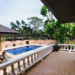 Отель 5 Bedrooms Pool Villa Behind Phuket Z00 Таиланд, Бухта Чалонг - отзывы, цены и фото номеров - забронировать отель 5 Bedrooms Pool Villa Behind Phuket Z00 онлайн балкон