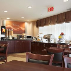Отель Days Inn & Suites Langley питание