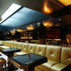 Room Mate Grace Boutique Hotel гостиничный бар