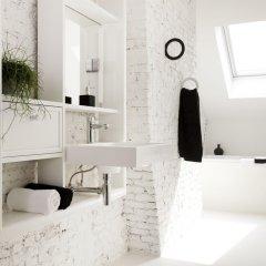 Отель Maison Nationale City Flats & Suites Бельгия, Антверпен - отзывы, цены и фото номеров - забронировать отель Maison Nationale City Flats & Suites онлайн ванная фото 2