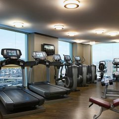 Renaissance Zurich Tower Hotel фитнесс-зал фото 4