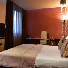 Отель Les Fleurs Boutique Hotel Болгария, София - отзывы, цены и фото номеров - забронировать отель Les Fleurs Boutique Hotel онлайн комната для гостей фото 3