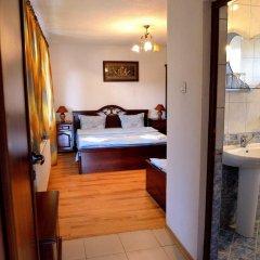 Отель Guest House Mavrudieva сейф в номере