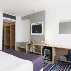 Отель Holiday Inn Prague Airport Чехия, Прага - 3 отзыва об отеле, цены и фото номеров - забронировать отель Holiday Inn Prague Airport онлайн удобства в номере фото 2
