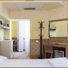 Отель Alex Romano сейф в номере