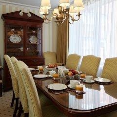 Отель Cheval Thorney Court питание