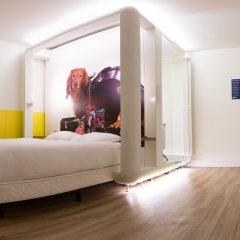Отель Qbic Hotel Wtc Amsterdam Нидерланды, Амстердам - 6 отзывов об отеле, цены и фото номеров - забронировать отель Qbic Hotel Wtc Amsterdam онлайн сейф в номере