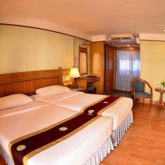 Отель Silom Village Inn комната для гостей фото 3