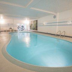 Отель Royal Scot Hotel & Suites Канада, Виктория - отзывы, цены и фото номеров - забронировать отель Royal Scot Hotel & Suites онлайн бассейн фото 2