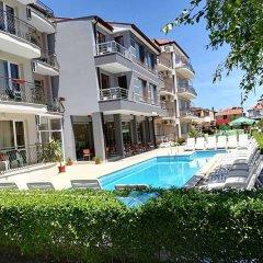 Radina Family Hotel Равда бассейн