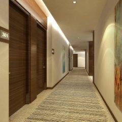 Отель Hyatt Place Dubai Baniyas Square интерьер отеля