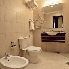 Отель IL-Palazzo Amman Hotel & Suites Иордания, Амман - отзывы, цены и фото номеров - забронировать отель IL-Palazzo Amman Hotel & Suites онлайн ванная