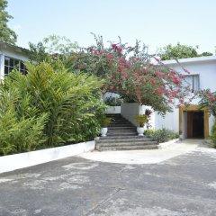 Отель San San Tropez Ямайка, Порт Антонио - отзывы, цены и фото номеров - забронировать отель San San Tropez онлайн парковка