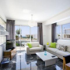 Отель Paradise Cove Luxurious Beach Villas Кипр, Пафос - отзывы, цены и фото номеров - забронировать отель Paradise Cove Luxurious Beach Villas онлайн комната для гостей фото 8
