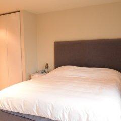 Отель Charming 2 Bedroom Apartment Next to Maltby Market Великобритания, Лондон - отзывы, цены и фото номеров - забронировать отель Charming 2 Bedroom Apartment Next to Maltby Market онлайн комната для гостей фото 3