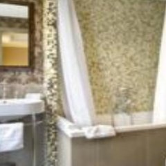 Hotel Jardin De L'odeon Париж ванная