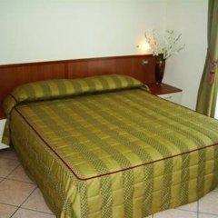 Отель San Siro Fiera Италия, Милан - отзывы, цены и фото номеров - забронировать отель San Siro Fiera онлайн комната для гостей фото 3
