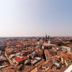 Отель Padova Tower City View Scirocco Terrace Италия, Падуя - отзывы, цены и фото номеров - забронировать отель Padova Tower City View Scirocco Terrace онлайн балкон