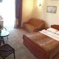 Гостиница Вилла Классик в Коктебеле 12 отзывов об отеле, цены и фото номеров - забронировать гостиницу Вилла Классик онлайн Коктебель комната для гостей фото 2