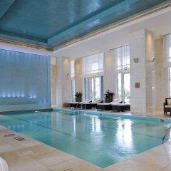 Отель The Ritz-Carlton, Dubai International Financial Centre ОАЭ, Дубай - 8 отзывов об отеле, цены и фото номеров - забронировать отель The Ritz-Carlton, Dubai International Financial Centre онлайн бассейн фото 3