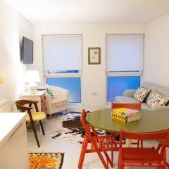 Отель 1 Bedroom Hidden Gem in Islington Лондон комната для гостей
