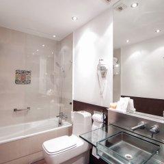 Отель Petit Palace Marques Santa Ana Испания, Севилья - отзывы, цены и фото номеров - забронировать отель Petit Palace Marques Santa Ana онлайн ванная