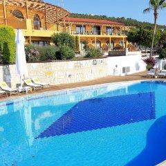 Ceshme Plus Hotel Чешме бассейн